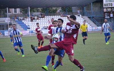 El CF Talavera perdona demasiado ante el Mérida