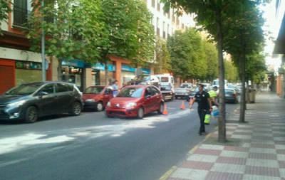 Colisión de dos turismos en la calle Muñoz Urra sin graves consecuencias