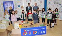 La OID entrega los premios a los ganadores del Concurso Escolar de Tarjetas Navideñas