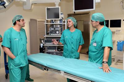 """Cospedal agradece """"el esfuerzo, la vocación de servicio y la magnífica profesionalidad"""" de nuestros sanitarios"""