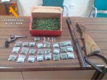 La Guardia Civil detiene a un hombre por tráfico de drogas y tenencia ilícita de armas en La Puebla de Montalbán