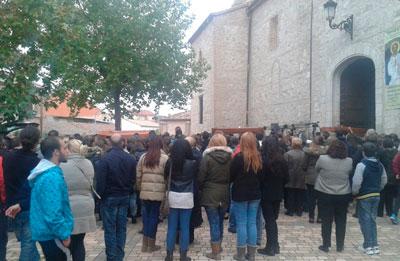 Multitudinario funeral para despedir a las tres menores de Fuensalida