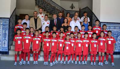 35 niños de la Escuela de Fútbol de Xian 'aparcan' en Talavera para disputar varios partidos