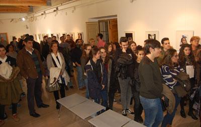 Instantáneas de los futuros profesionales de la Escuela de Arte en el Rafael Morales