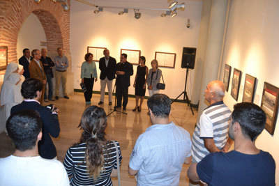 Muestra fotográfica para visualizar el genocidio cultural armenio en el 'Rafael Morales'