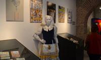 Objetos y detalles para la historia de Mondas recogidos en una exposición