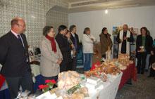 Manos Unidas inaugura la Feria del Dulce de Navidad en la Corredera del Cristo