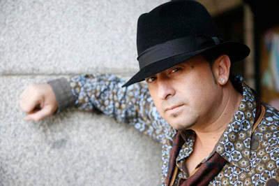 El cantante de El Barrio firmará discos el 12 de noviembre en El Corte Inglés de Talavera