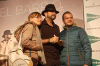 El Barrio no defrauda y desata pasiones entre sus fans en la firma de discos