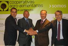 Cooperativas Agro-alimentarias y Globalcaja amplían su ámbito de colaboración