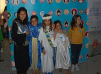 Ante el constante auge de Halloween, decenas de niños apoyaron Holy Wins (los santos ganan)