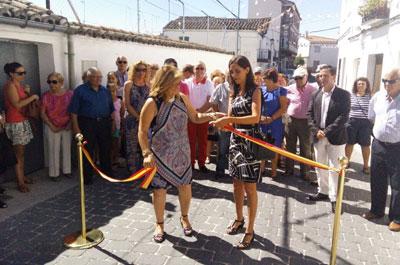 Bellón y Corregidor inauguran la calle Real de Parrillas ejecutada a través de los Planes Provinciales