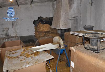 La Policía Nacional descubre en Talavera de la Reina una fábrica clandestina con 2,8 toneladas de tabaco