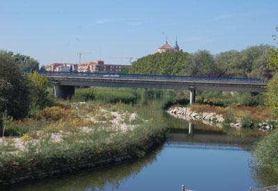 La reinstalación de la iluminación en el Puente del Príncipe comenzará en el mes de mayo