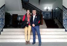 La norteamericana Lauren Karle visita Talavera para estudiar a fondo su cerámica