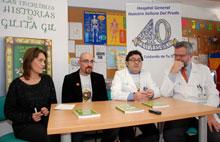 El alergólogo del Hospital de Talavera, Alvaro Moreno, presenta su nueva novela infantil en el aula de Pediatría