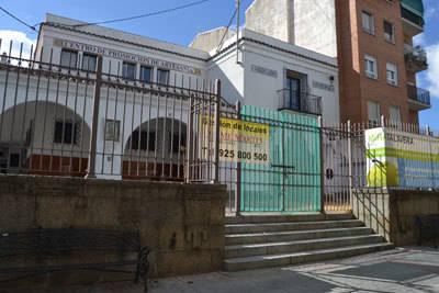 """El Ayuntamiento apuesta por resolver el contrato del Mercado de Abastos porque """"no se han cumplido los plazos"""""""
