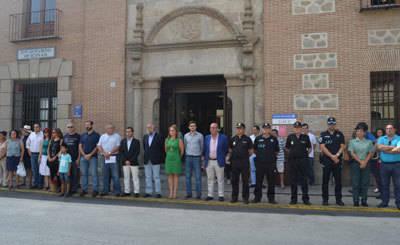 Luto solidario en el Consistorio de Talavera con la mujer y dos niños asesinados en Castelldefels