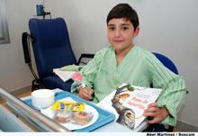 Los niños ingresados en Hospital de Talavera de la Reina celebran el día Internacional del Libro