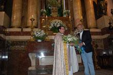 Ramos y los miembros del Grupo Municipal Popular realizan una ofrenda a la Virgen de Prado
