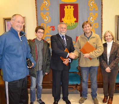 Pacheco cede más de 3.325 libros al Alfar