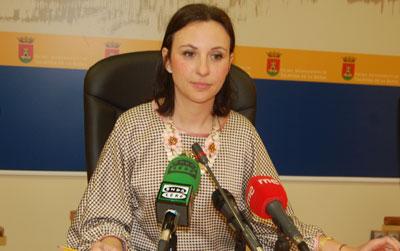 María Rodríguez traslada su pésame a la familia de Vicente Hesse Monge