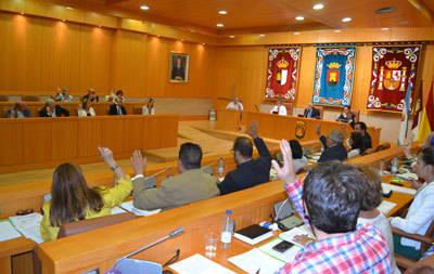 Los cuatro grupos políticos aprueban en el pleno la ratificación del Pacto por la Sanidad