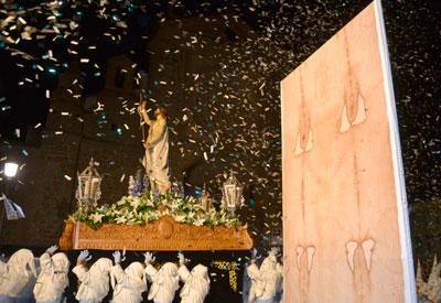 La Plaza del Pan vuelve a escenificar la Resurrección de Jesús en el final de la Semana Santa