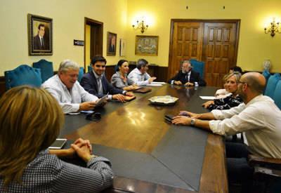 El Ayuntamiento aprueba la prórroga forzosa del servicio de Ayuda a Domicilio hasta final de año