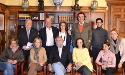 El equipo de Gobierno de Talavera 'se pinta de verde' por las enfermedades raras