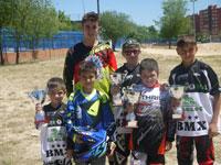 Dos oros y tres platas para Los Pinos en el campeonato de Madrid de BMX