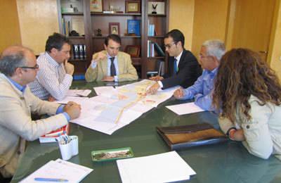 El Ayuntamiento de Cazalegas impulsa un plan de fomento de turismo local para reactivar el embalse