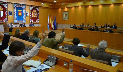 Ramos y Rivas protagonizan un tenso enfrentamiento en el debate sobre el Urban
