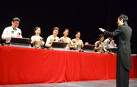 'Miriam Bell Choir' deleita en el Victoria con su sinfonía de campanas