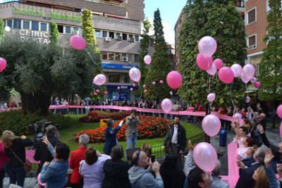 La Trinidad se vistió de color rosa con motivo del Día Mundial del Cáncer de Mama