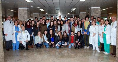Profesionales del Hospital de Talavera comparten una mañana con los alumnos del Instituto Padre Juan de Mariana
