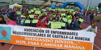 2.000 personas apoyan a ASEM-CLM en la IX Carrera Solidaria