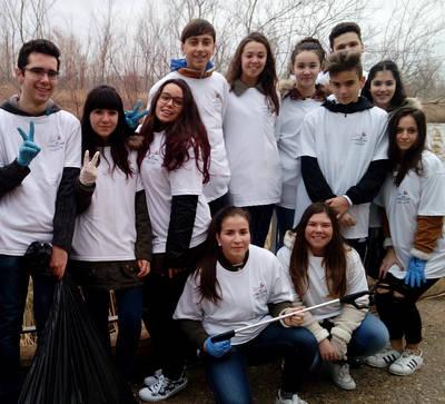 Alumnos del Ribera del Tajo, implicados con el río