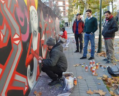 Nuevo mural grafitero en el Paseo de los Arqueros
