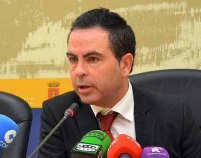 El PSOE lamenta los insultos de Castillo por hacer su 'oposición'