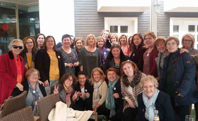 35 años después, las enfermeras de la escuela de Talavera se reúnen
