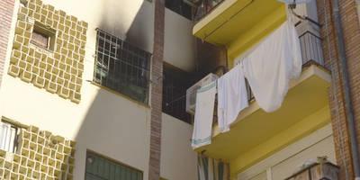 Un incendio en Comuneros de Castilla obliga a evacuar a dos vecinos