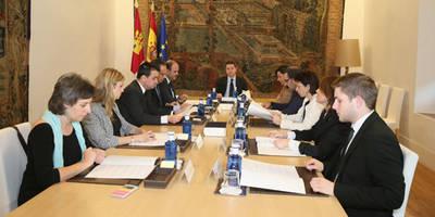 El Gobierno de Castilla-La Mancha readmitirá a 66 interinos despedidos en agosto de 2012