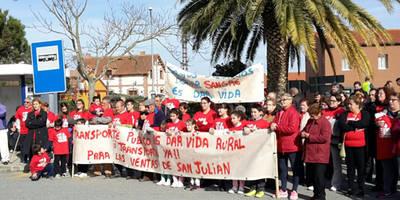 Los vecinos de Las Ventas de San Julián quieren recuperar su transporte