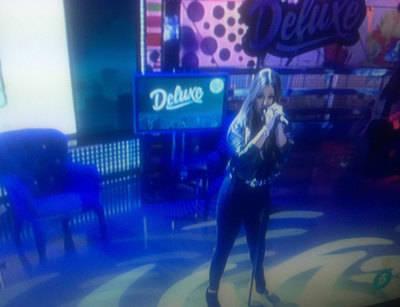 María Aguado actúa en Sálvame Deluxe