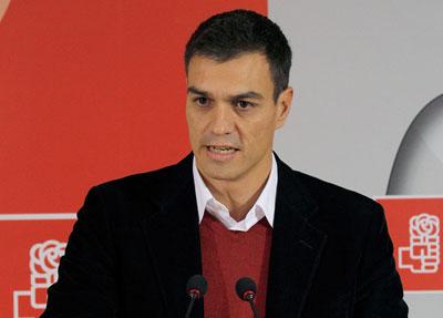 Pedro Sánchez arrasa en Talavera de la Reina por delante de Madina