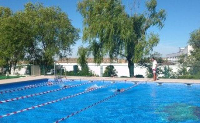 Fallece un hombre en una piscina municipal la voz del tajo for Piscina municipal avila
