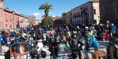 La Plaza del Pan se llena de Scooters Clásicas