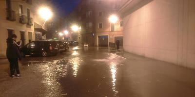 Se llena de agua la talaverana Calle Templarios