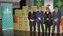 La Fundación Caja Rural Castilla-La Mancha entrega alimentos a Cáritas Toledo